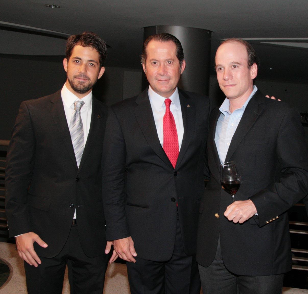 Carlos Esduardo Escotet, Juan Carlos Escotet Rodríguez y Rodrigo Anzola