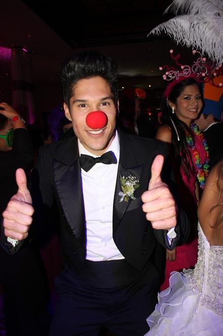 Foto El Cantante Nacho celebrando la boda de su manager pablo Villalobos