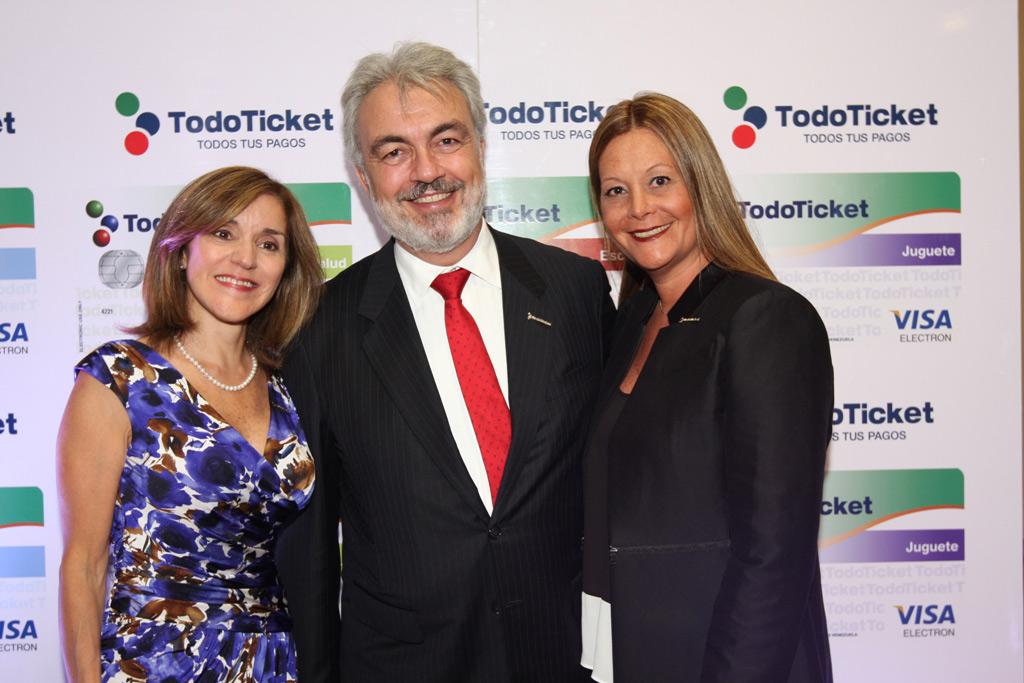 Patricia Riera, Luis Xavier Lujan y María Clara Alviarez