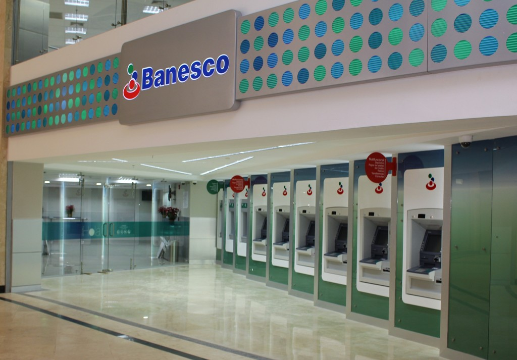 banesco-inauguracion-agencia-parque-cerro-verde1